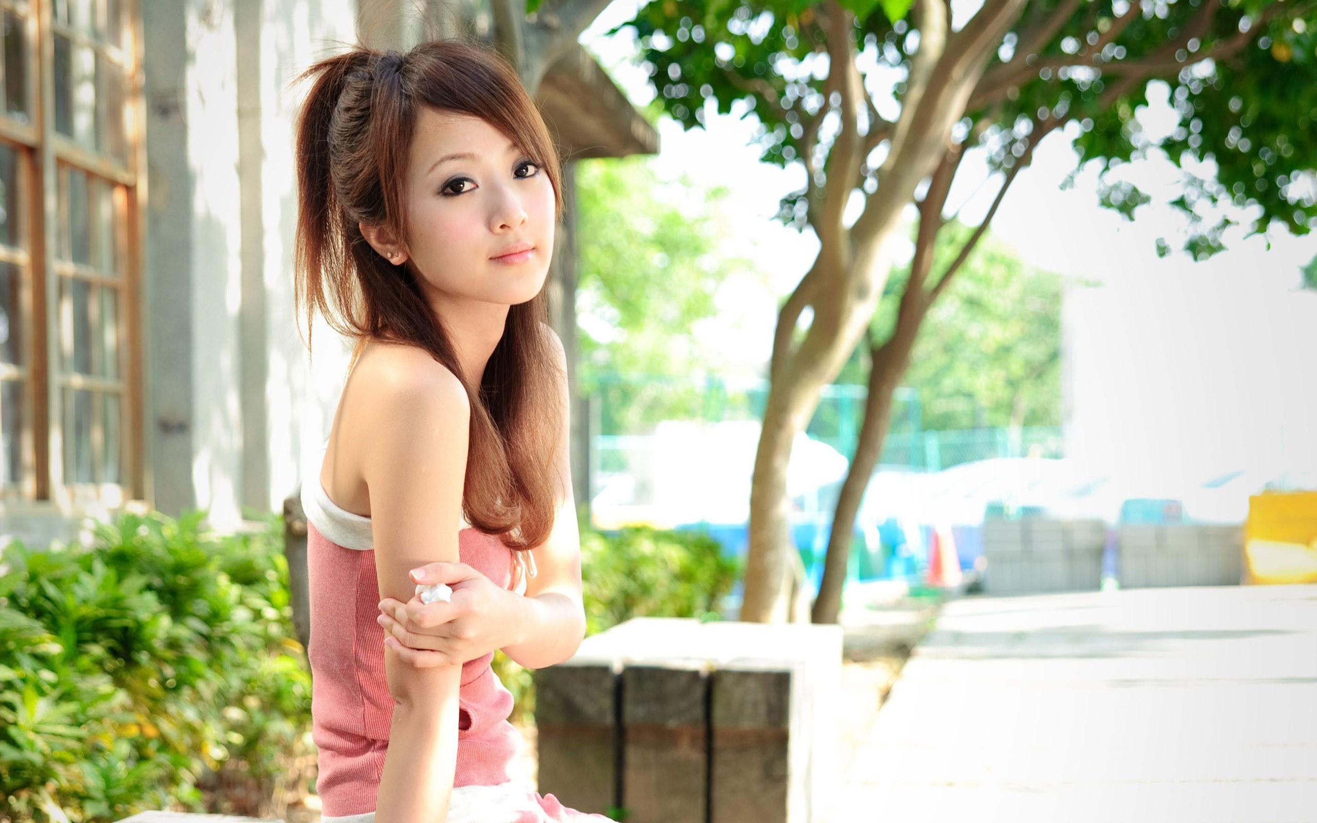 девушка брюнетка японка без смс